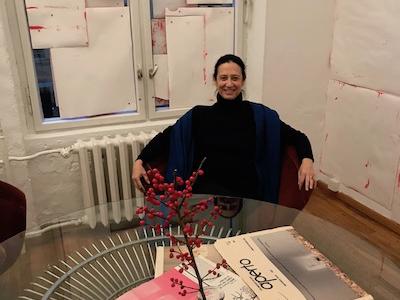 Marianne à la Fondation Hoffmann à Berlin devant une œuvre de J. Tuerlinckx